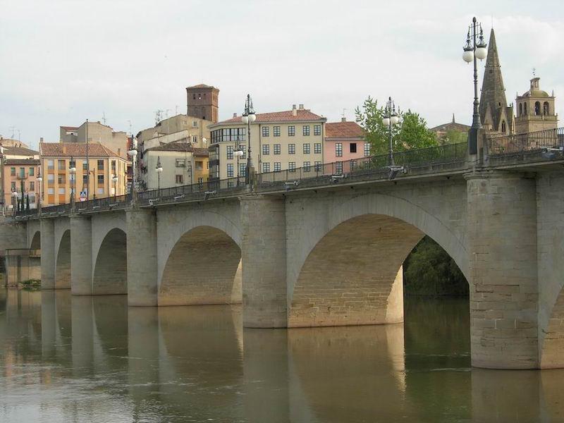 stone-bridge-Logroño