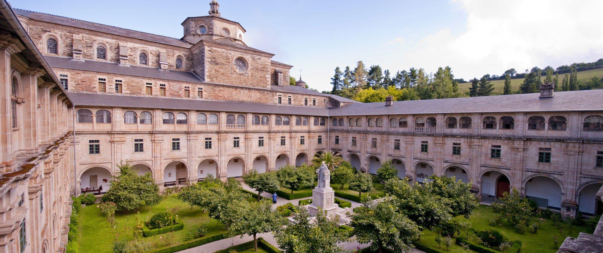 Claustro monasterio de samos